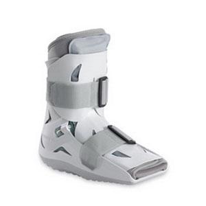 "DJO LLC Short Pneumatic Walker™ Medium, 8-1/4"" L x 4-2/3"" W, Shoe Size: Men's 7"" to 10"", Women's 8"" to 11"", Lightweight AI01AM"