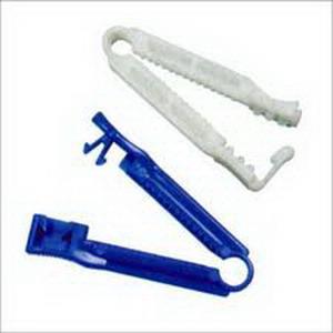 DeRoyal Umbilical Cord Clamp Newborn, 11 lb, Sterile, Latex-free DR6833